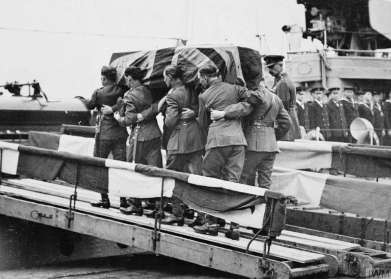 DG Military Art - Tomb of the Unknown Warrior - coffin being carrried onto HMS Verdun